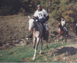 Georges Van Dale lors des 2 jours de Montcuq en 1990 : il a gagné la course avec ses deux chevaux Sahel et sa maman Obelia (montée par Stephane Tochon)... très grisant d'entrainer et de faire le suivi en course de ces beaux chevaux....