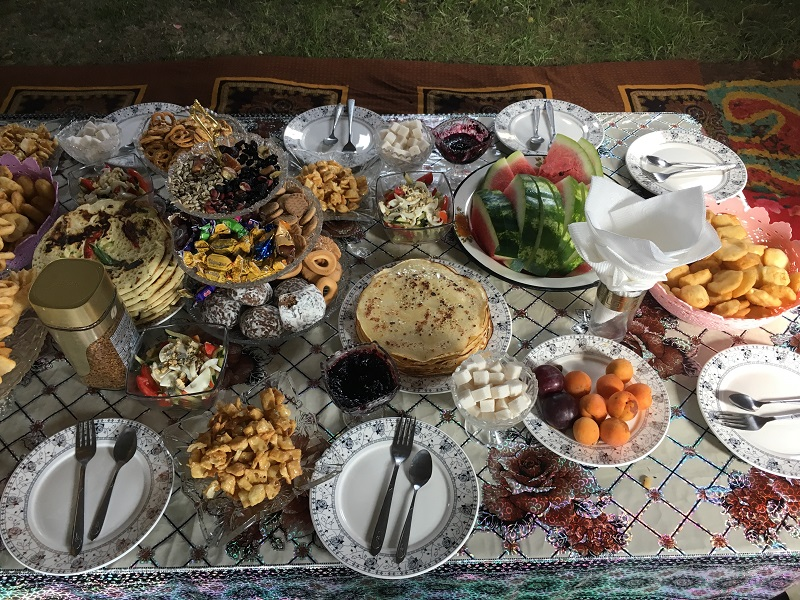Randonnée Kirghizistan : Petit déjeuner Kirghize